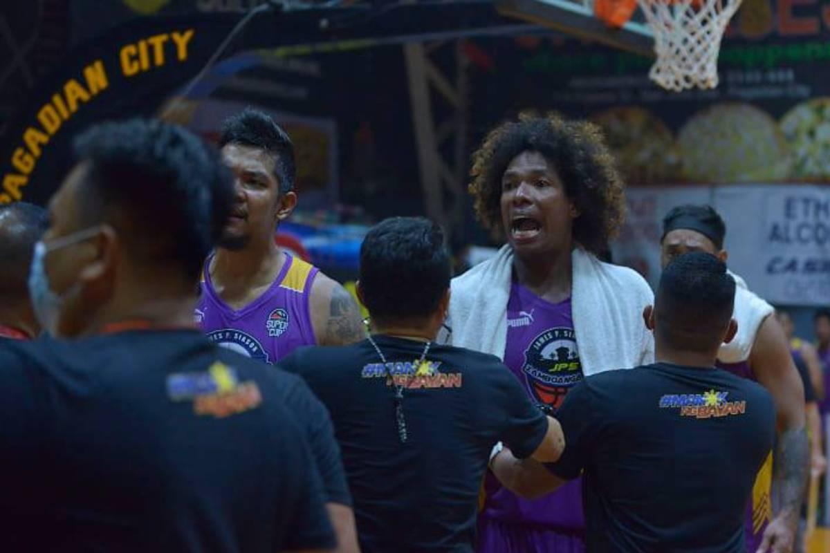 2021-Chooks-VisMin-Mindanao-SF-2-Roxas-vs-Zamboanga-City-Gabby-Espinas Espinas, Cardona confront refs after Roxas-Zamboanga VisMin semis game Basketball News VisMin Super Cup  - philippine sports news