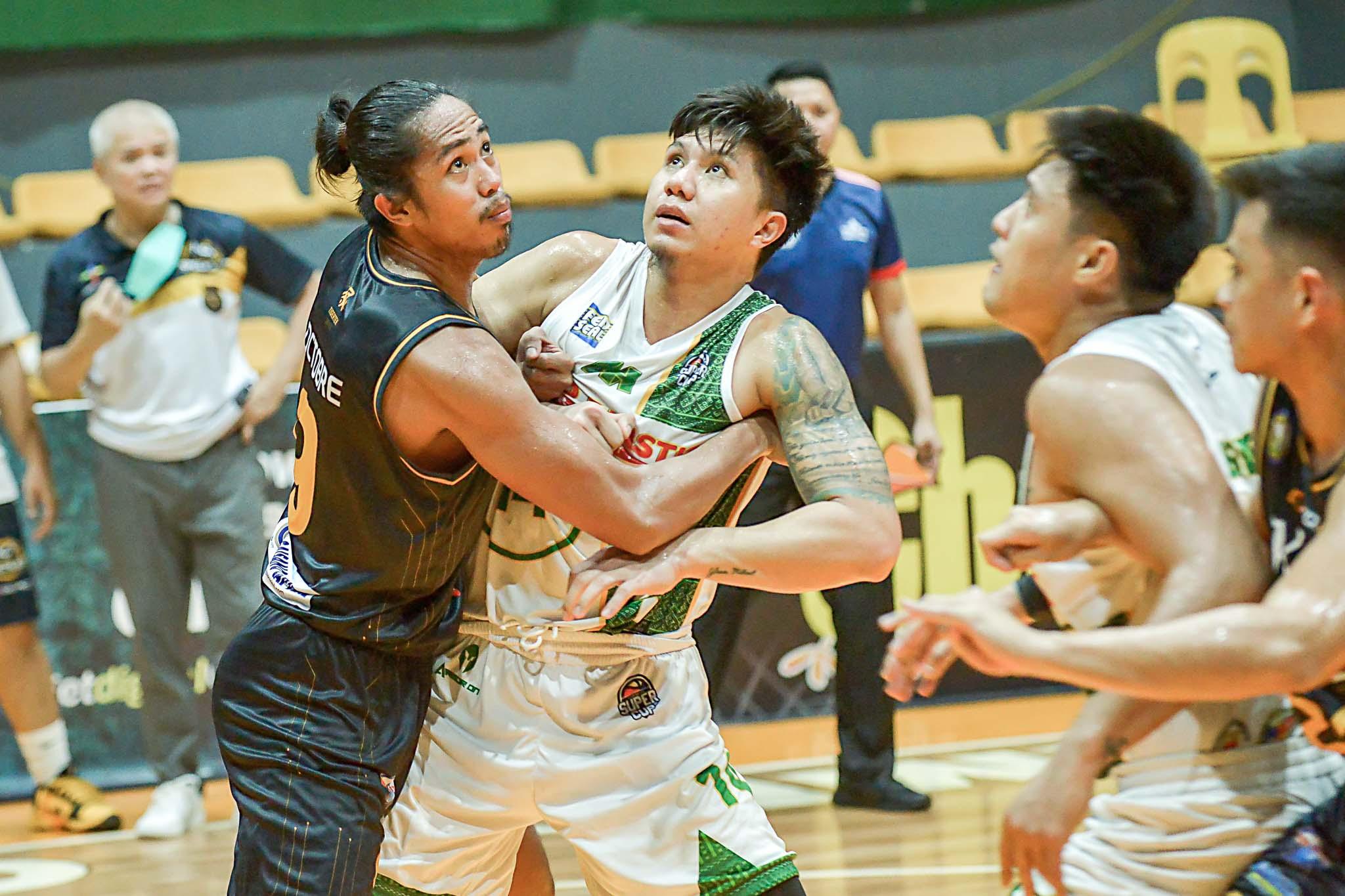 2021-Chooks-VisMin-Southern-Finals-G3-Mandaue-vs-Basilan-Rhaffy-Octobre-vs-Michael-Mabulac Mabulac fulfills promise to wife after copping VisMin Finals MVP plum Basketball News VisMin Super Cup  - philippine sports news