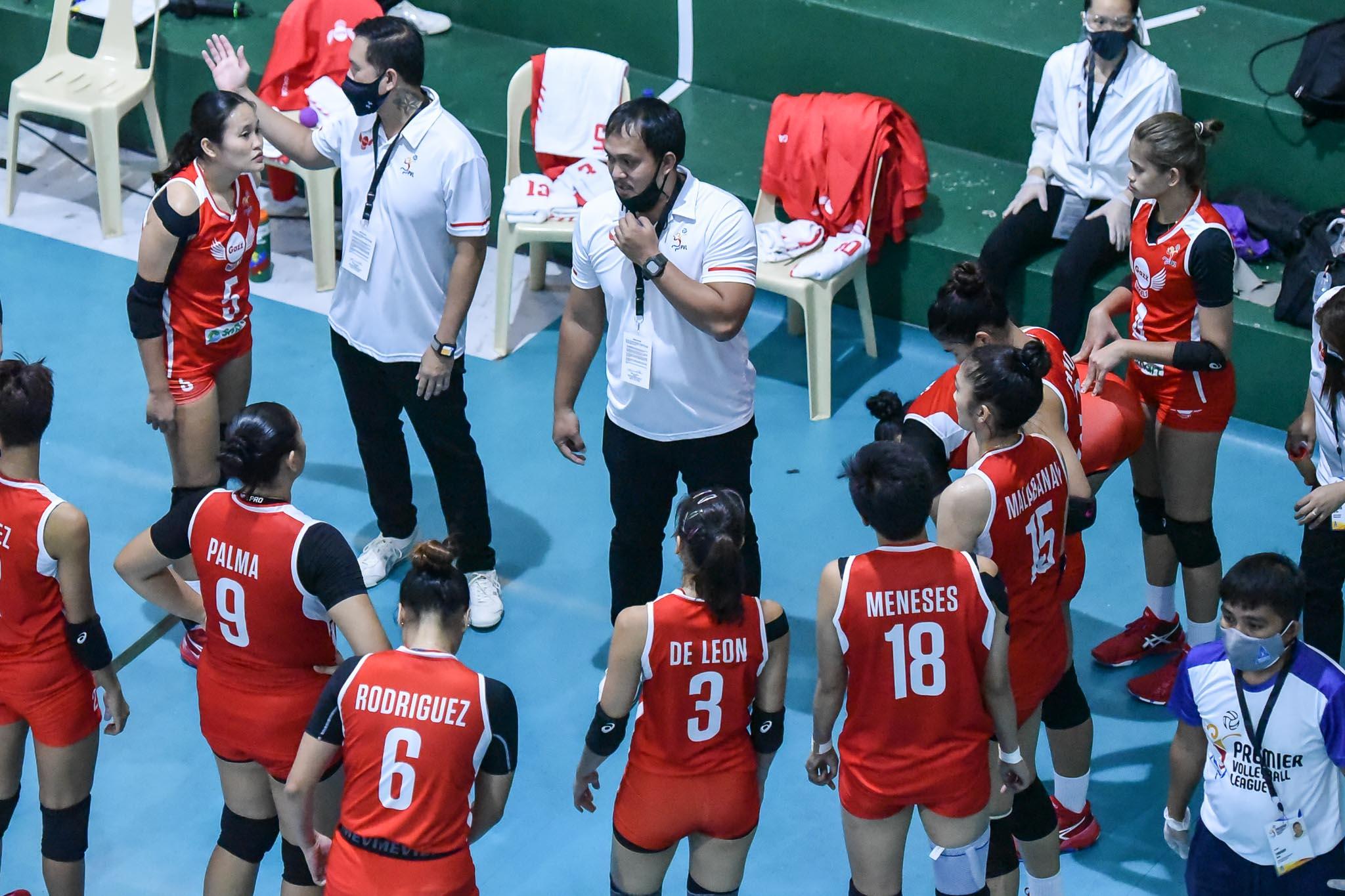 2021-PVL-Open-Petro-Gazz-vs.-Chery-Tiggo-Coach-Arnold-Laniog-3917 Velez, Laniog glad to see each other thrive in PVL News PVL Volleyball  - philippine sports news