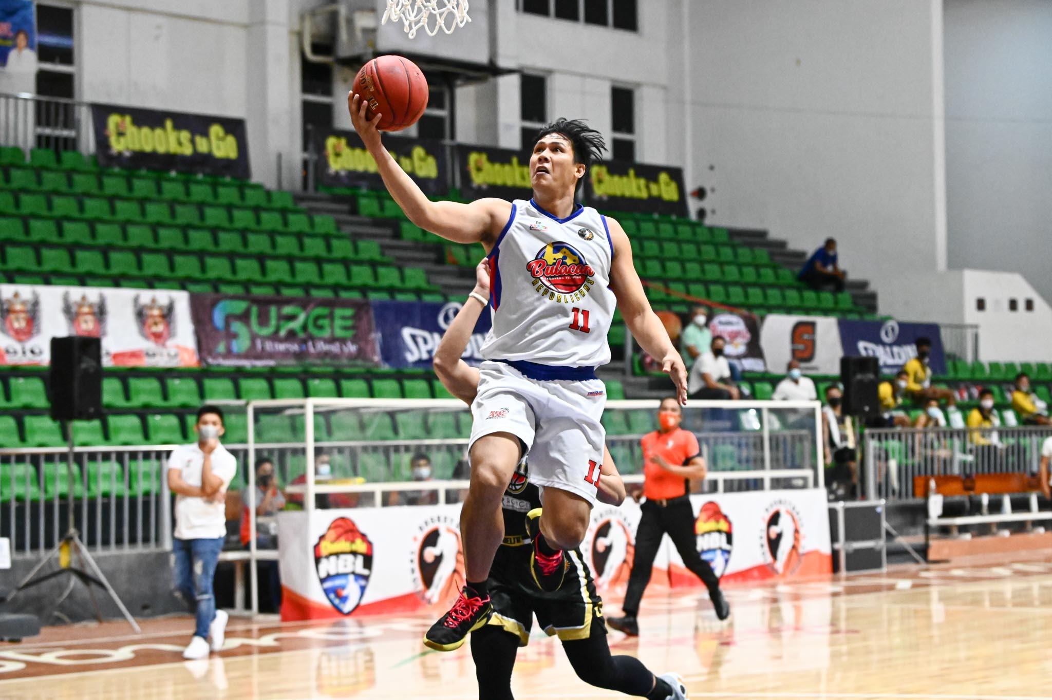 2021-Chooks-NBL-Bulacan-vs-Pampanga-Ernest-Reyes Mark Tamayo's halfcourt prayer does not count as Bulacan stuns Pampanga in NBL Basketball NBL News  - philippine sports news