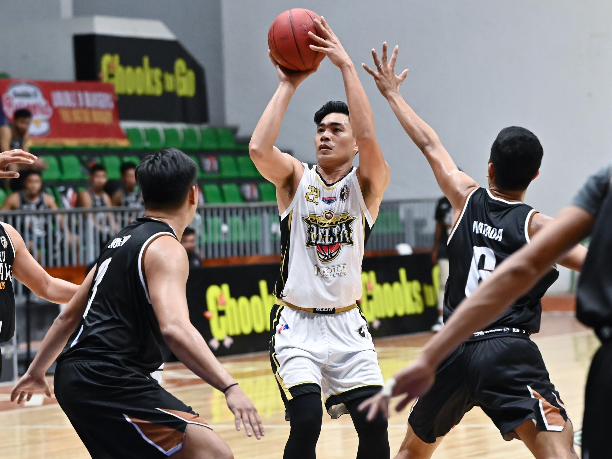 2021-Chooks-NBL-Pampanga-vs-Mindoro-LEVI-HERNANDEZ Serrano shines as Pampanga dehorns Mindoro to open NBL back-to-back bid Basketball NBL News  - philippine sports news