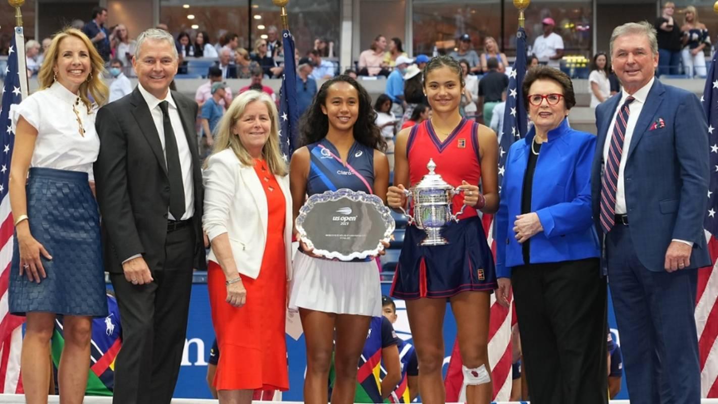 2021-US-Open-Womens-Single-Awarding-Ceremony Leylah Fernandez bows to Emma Raducanu in US Open final News Tennis  - philippine sports news