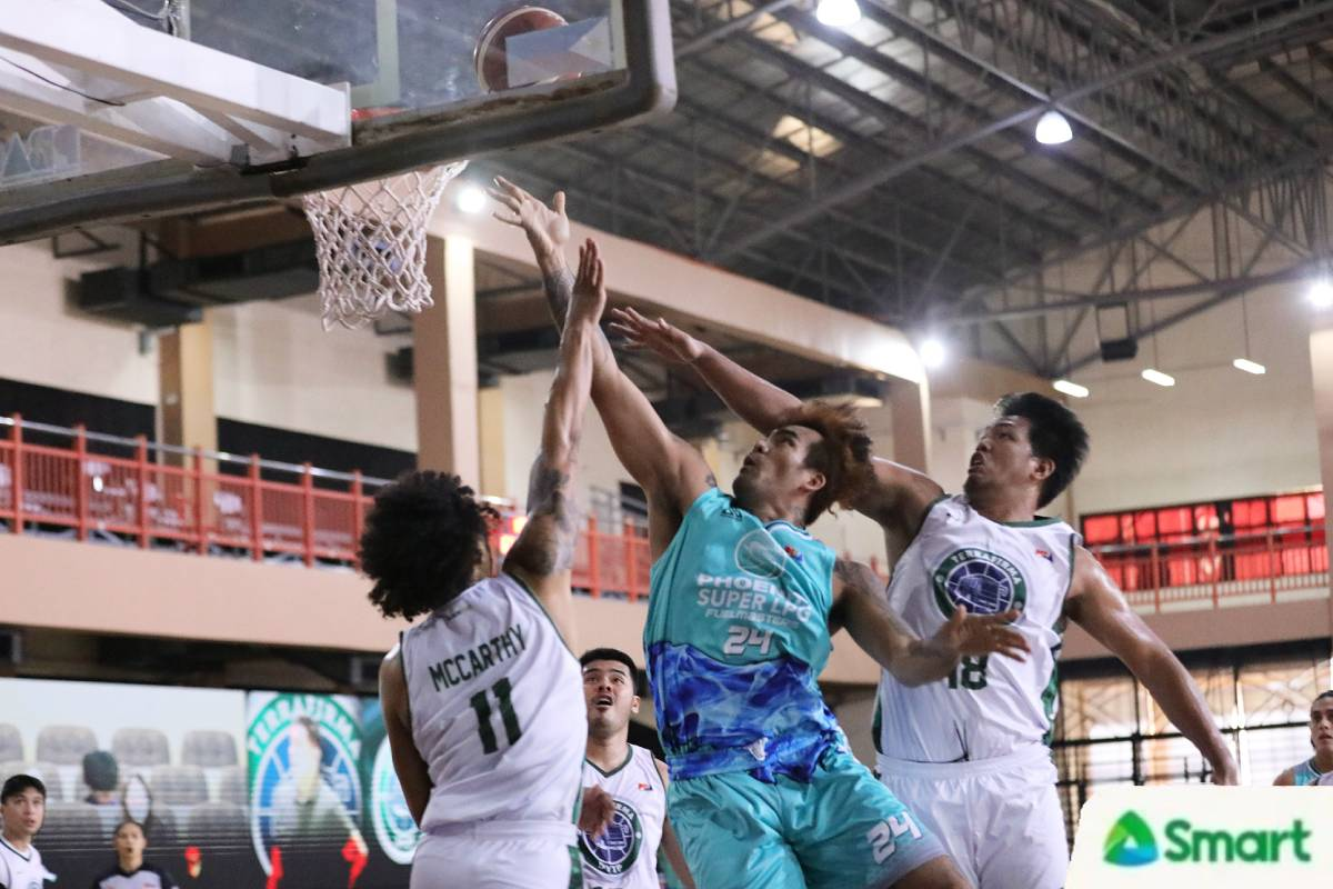 2021-pba-philippine-cup-terrafirma-vs-phoenix-vic-manuel Jason Perkins says he did not need to adjust to Vic Manuel Basketball News PBA  - philippine sports news
