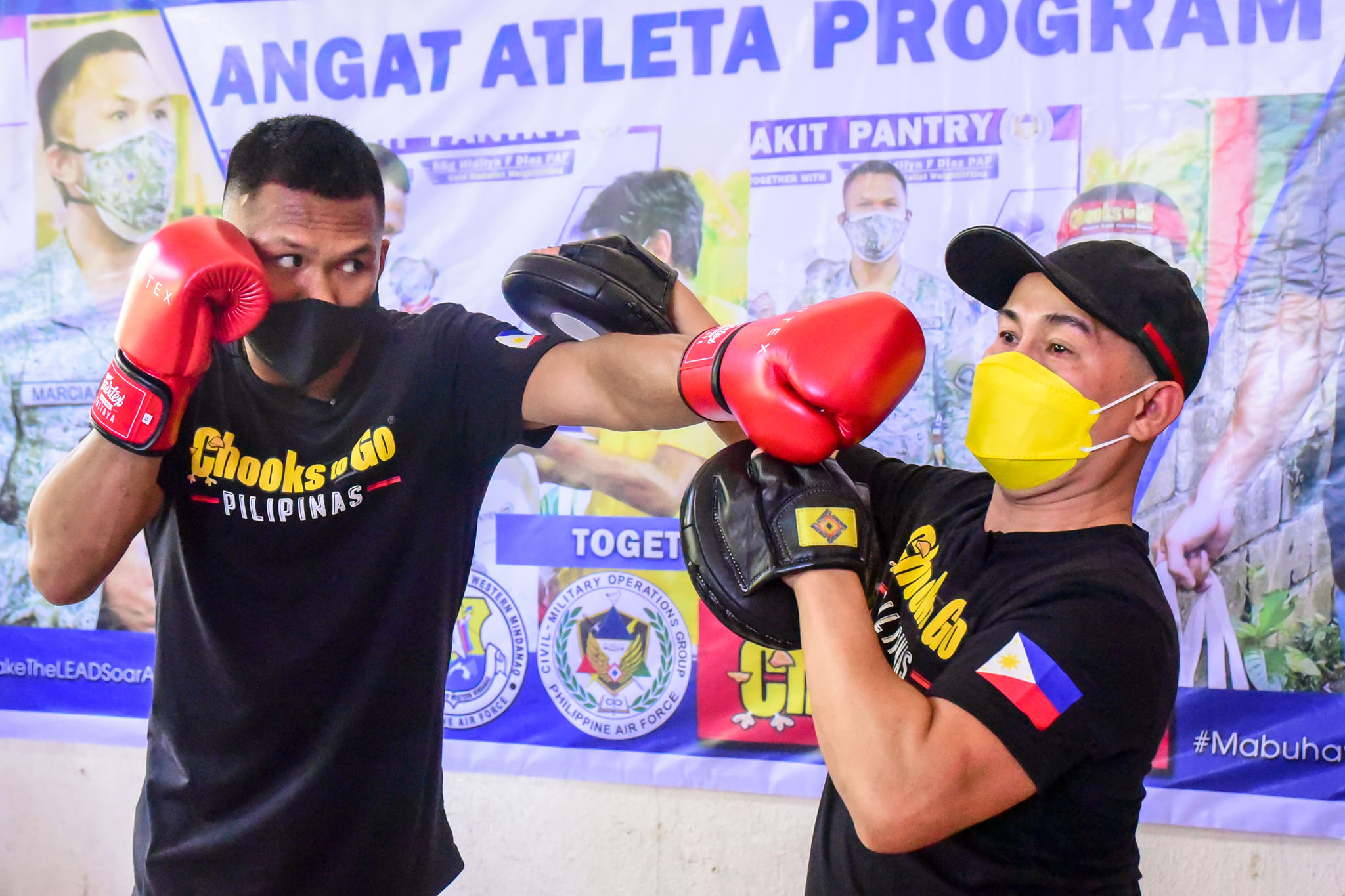 Chooks-to-Go-Eumir-Marcial-x-Onyok-Velasco-teaching Chooks-to-Go pledges support for Marcial's pro career, grassroots program Boxing News  - philippine sports news