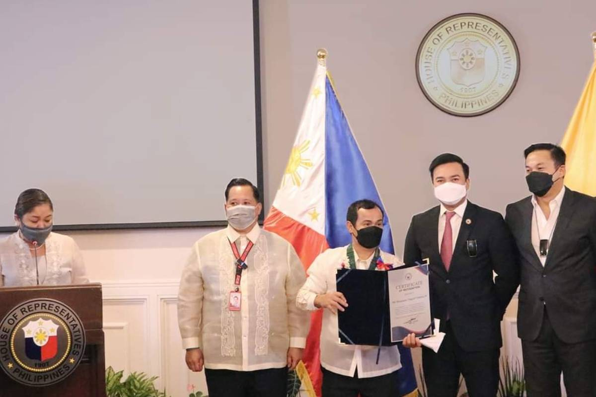 Tokyo-2020-Congress-Lord-Velasco-x-Onyok-Velasco Congress gives Medal of Excellence to Hidilyn Diaz 2020 Tokyo Olympics Boxing News Weightlifting  - philippine sports news